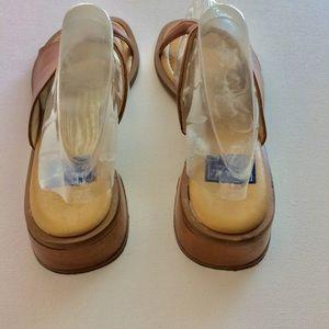 piu di servas Shoes - Piu di Servas Tan Leather Sandals Size 5.5 EUC